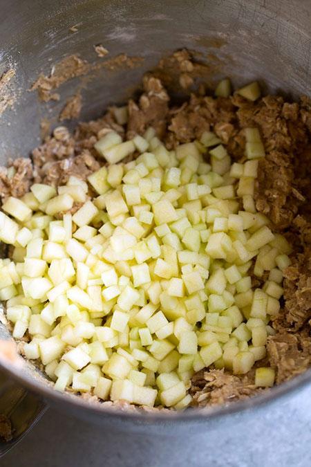 کلوچه سیب و جو دوسر با طعم دارچین