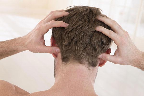 چرا پوست سرتان میخارد؟