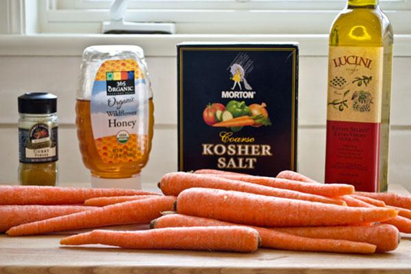 کاری هویج برشته در فر؛ رژیمی و خوش طعم، یک بغل بشقابی عالی!