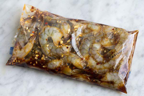 کباب میگو با سس مخصوص در کمترین زمان و طعم فوق العاده!