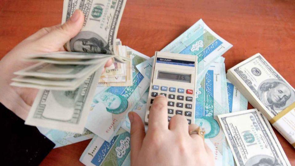 کاهش ارزش پول ملی