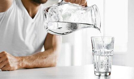 رژیم آبدرمانی؛ عوارض و مزایای نوشیدن آب
