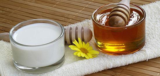 درمان عفونت مخمر واژن با ماست و عسل