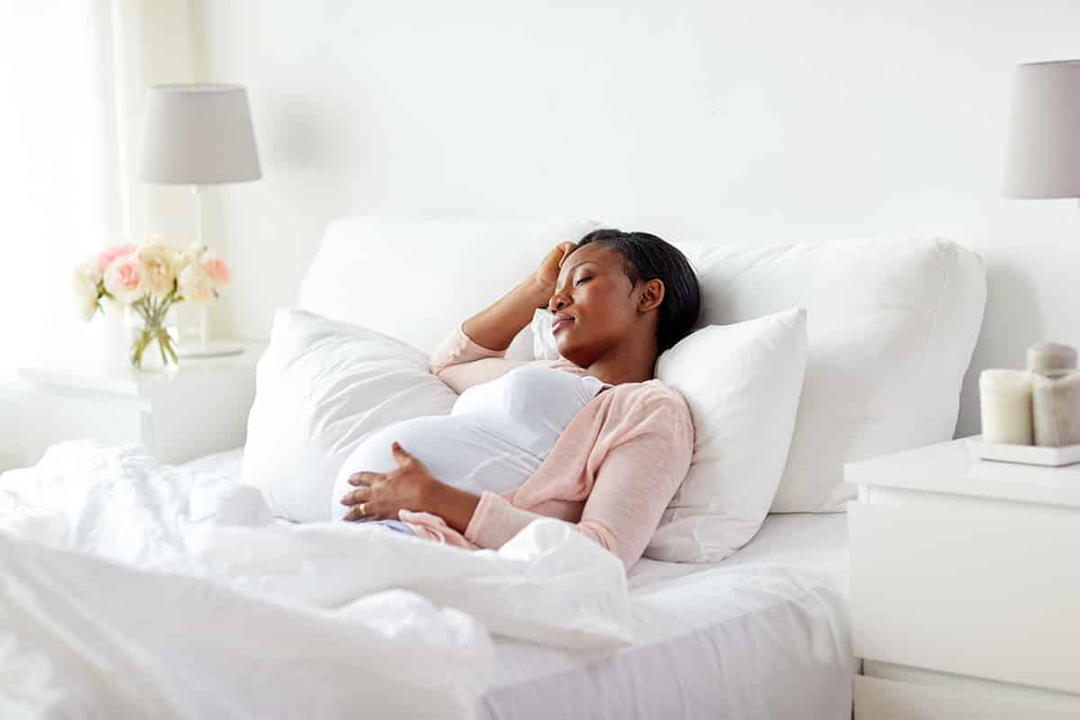 هنگام خواب بالاتنه را بالاتر قرار دهید