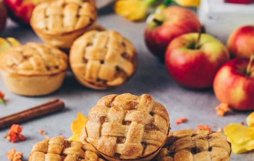 طرز تهیه کلوچه سیب و جو دوسر با طعم دارچین؛ خوش طعم ترین کلوچه