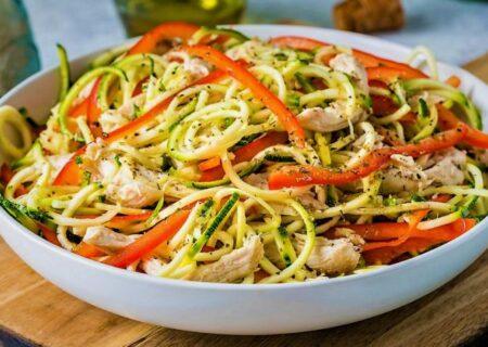 سالاد نودل سبزیجات؛ پیشغذای گیاهی خوشمزه از کشورهای جنوب شرق آسیا