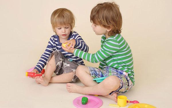 مفهوم ارزشمندی به کودک را چگونه  به او بیاموزیم؟