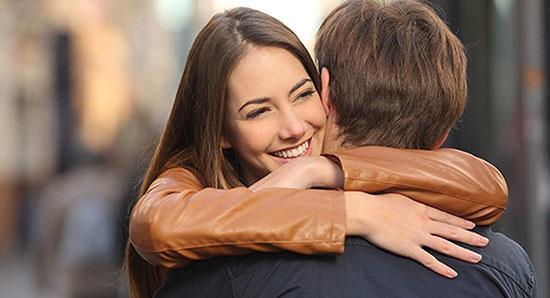 اهمیت در آغوش گرفتن عزیزانتان