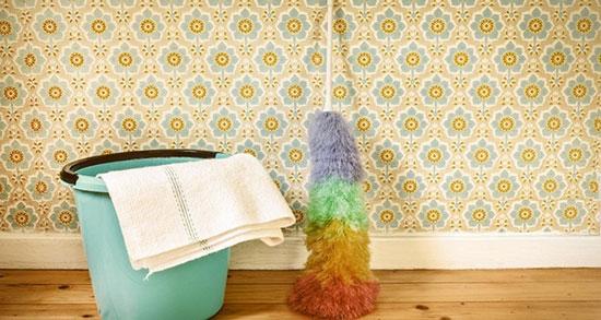 تمیز کردن کاغذ دیواری و لکه زدایی آن