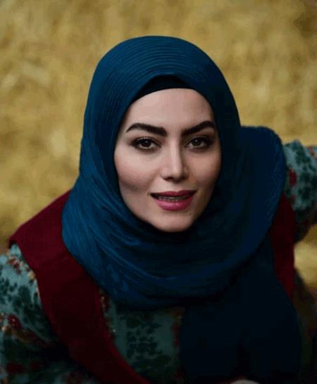 هدیه بازوند بازیگر نقش روژان در سریال نون خ کیست؟