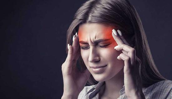 چگونه بفهمیم سردرد ما میگرنی است یا نه؟