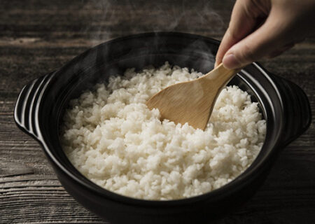 رازهای خانهداری؛ نجات دادن برنج شفته شده