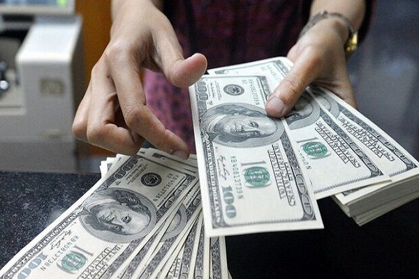 قیمت دلار ۴ اسفند ۱۳۹۹ به ۲۴ هزار و ۲۵۳ تومان رسید