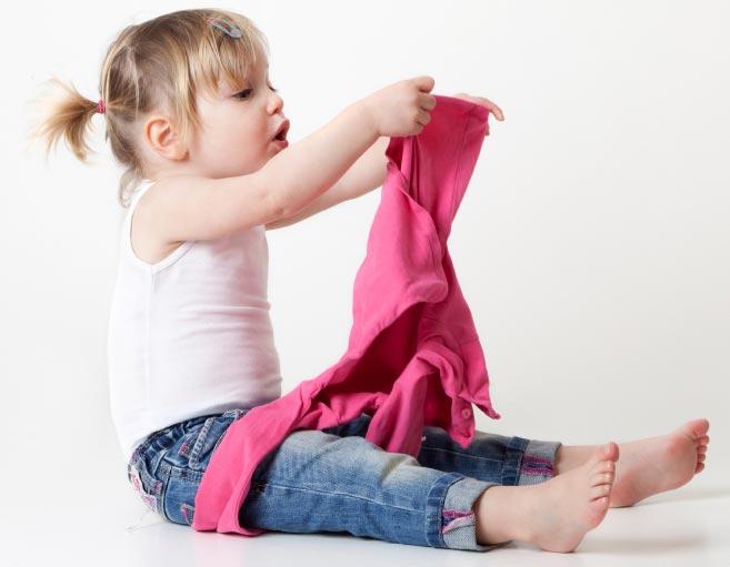 آموزش لباس پوشیدن به بچها