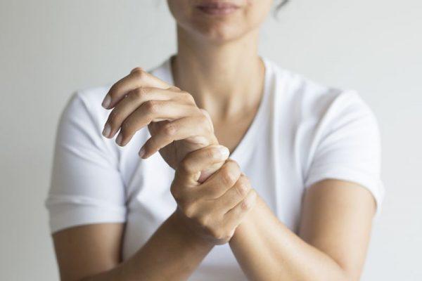 دردهای مفصلی/این دردهای بهظاهر ساده را جدی بگیرید!