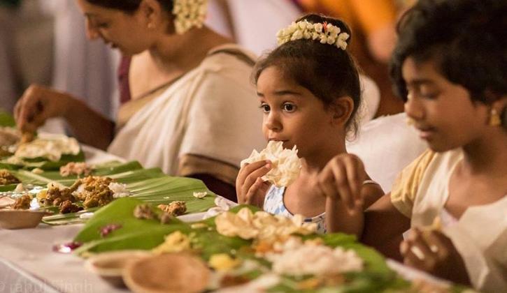 خوردن غذا با دست