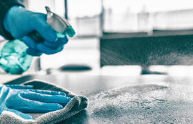 ترفند تمیز کردن محل کار در زمان ویروس کرونا