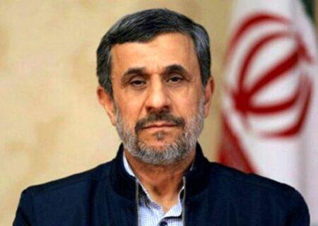 احمدی نژاد:یک قدرت بزرگی دارد طلوع می کند