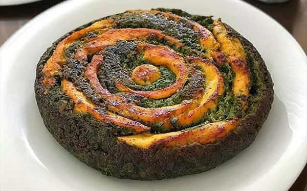 کوکو سبزی با سبزی خشک و مرغ