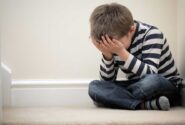 چگونه می توانم تشخیص دهم که کودکم افسرده است؟