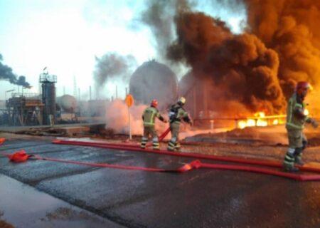 آتش سوزی گسترده در پالایشگاه نفت تهران