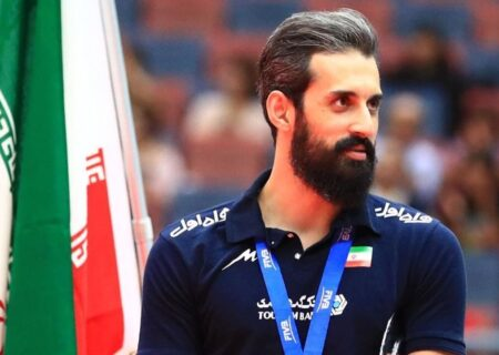 سعید معروف، همراه تیم به ایران باز نگشت