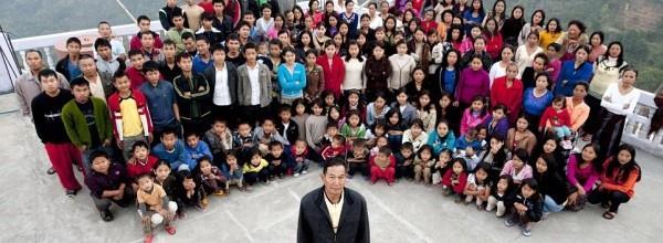 بزرگترین خانواده دنیا، یتیم شدند/مردی با 39 همسر