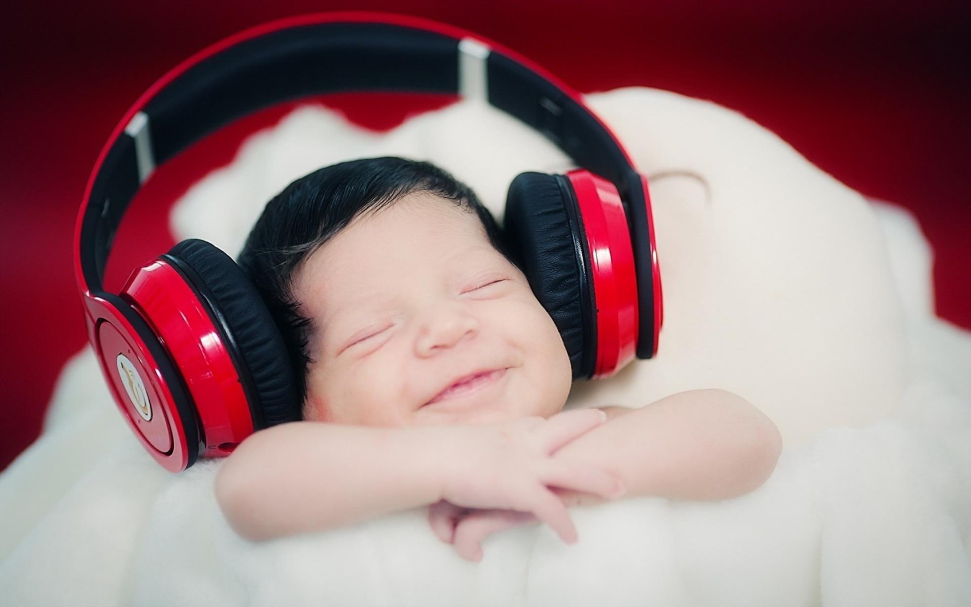 گوش دادن به موزیک برای کاهش استرس
