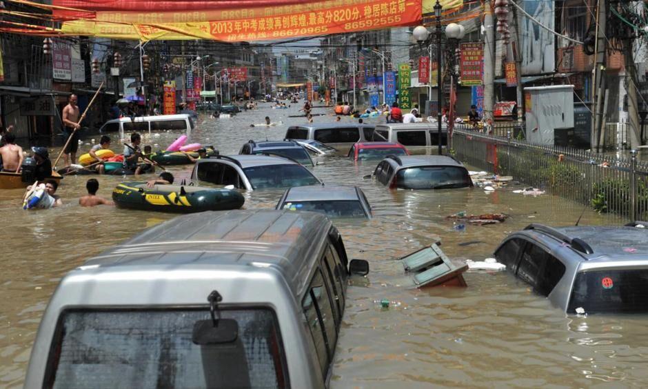 فیلم شکسته شدن سد بزرگ یک شهر 7 میلیون نفری چین