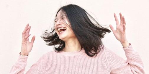 برای جذب انرژی مثبت بخندید