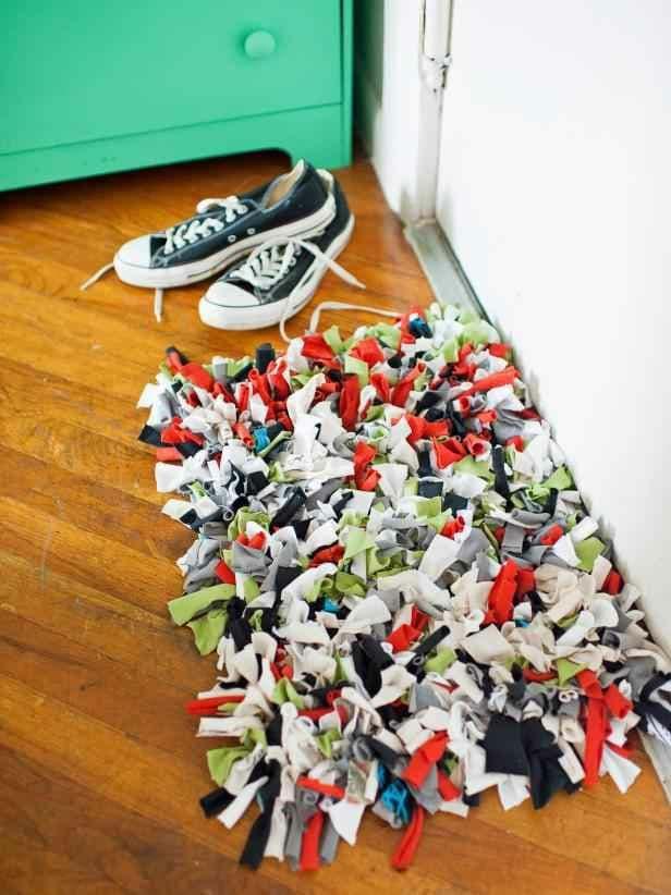 فرش با تیشرت