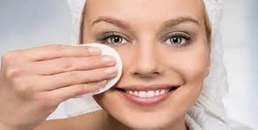 پاک کردن صورت با تونر
