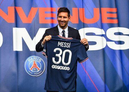 پس از 21 سال حضور مسی در زمین فوتبال با لباسی غیر از لباس بارسلونا!