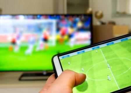 نحوه وصل کردن گوشی به تلویزیون/با روش های مختلف