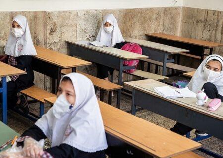 زمان بازگشایی مدارس اعلام شد/واکسیناسیون معلمان و والدین