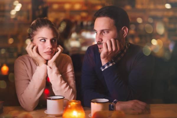 خصوصیات زنان/مردها از این رفتارها و عادات زنانه خوششان نمی آید!