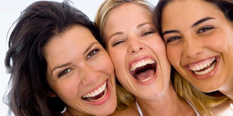 خنده مسری است
