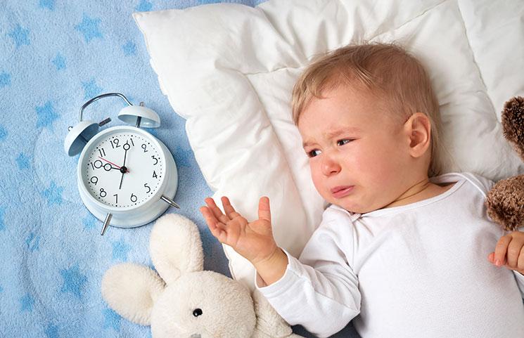 مشکلات خواب کودک نوپایمان را چگونه حل کنیم؟