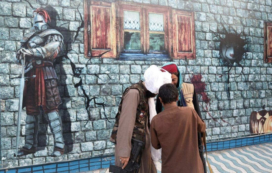 ویدیوی جنجالی تاببازی جنگجویان طالبان