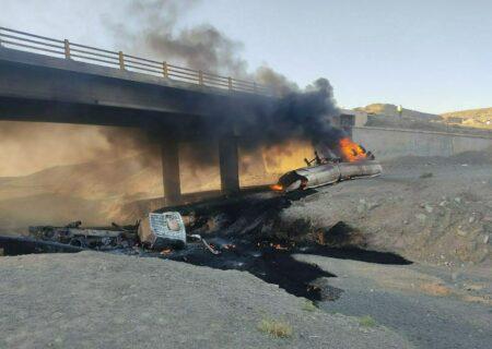 انفجار تانکر حمل سوخت در جاده مشهد/راننده در آتش سوخت/فیلم