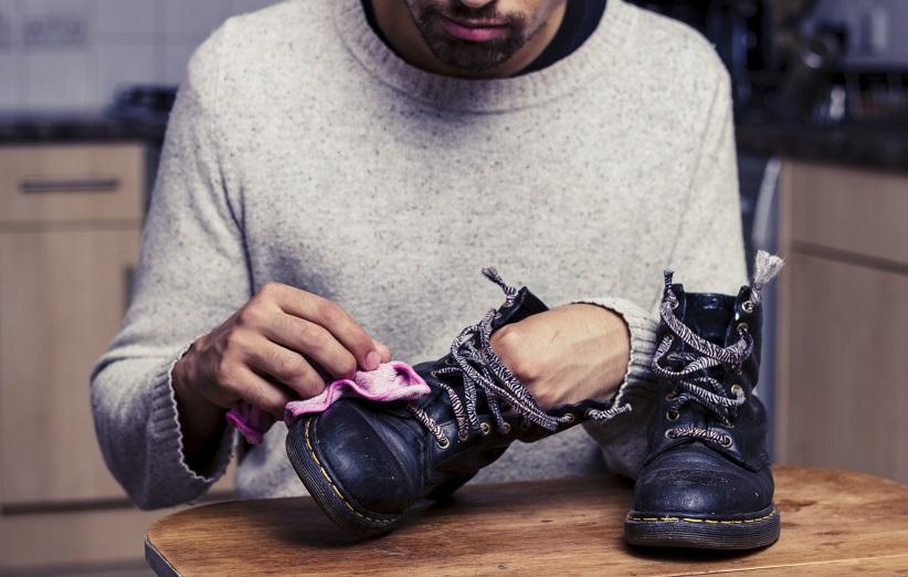 لکه های روغنی روی کفش