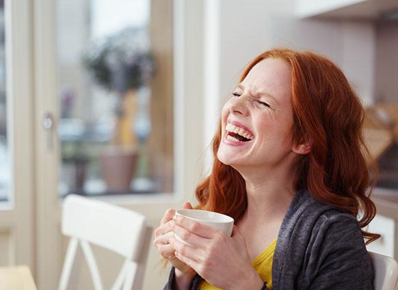 فواید خندیدن/قدرت حیرت انگیز لبخند در سلامت مغز